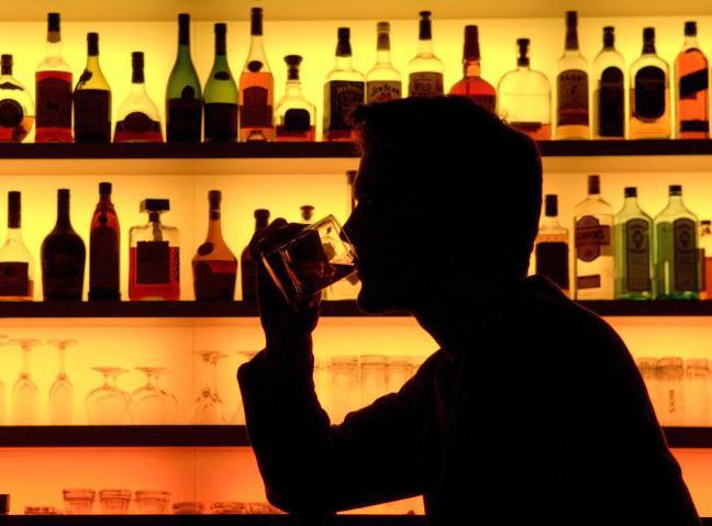 Изсаратовского бара изъяли 92 бутылки споддельным спиртом