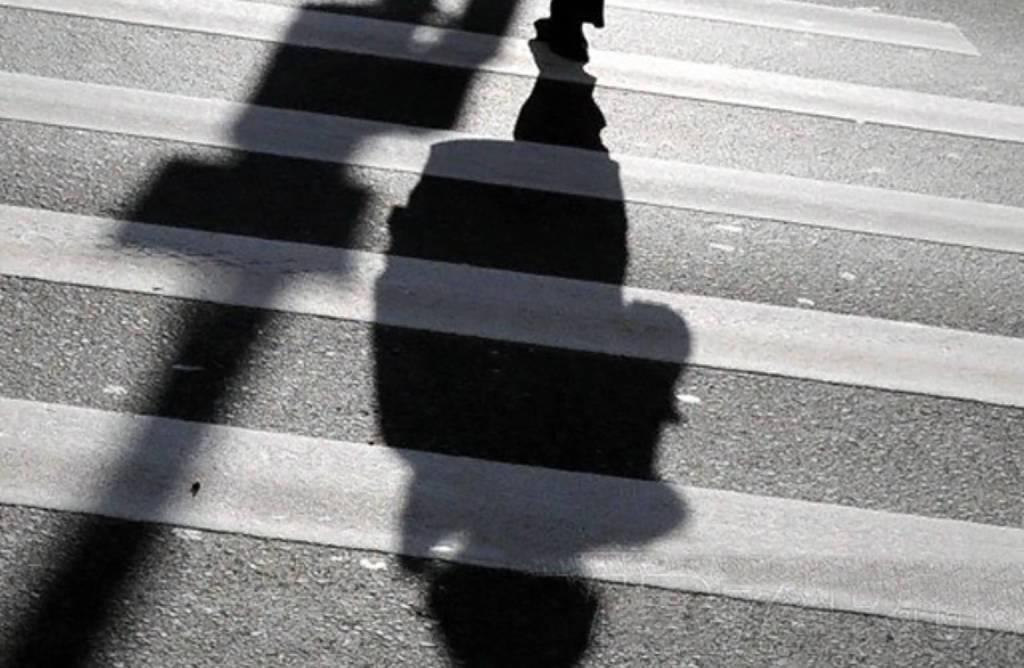 Шофёр иномарки сбил школьницу напешеходном переходе вСаратове