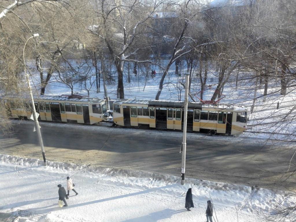 ВСаратове трамвай №3 протаранил столб. Есть раненые