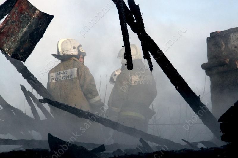Напожаре вдеревянном доме умер мужчина