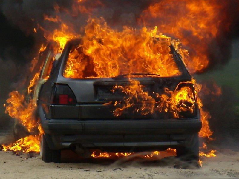 В «десятке» отыскали обгоревший труп водителя