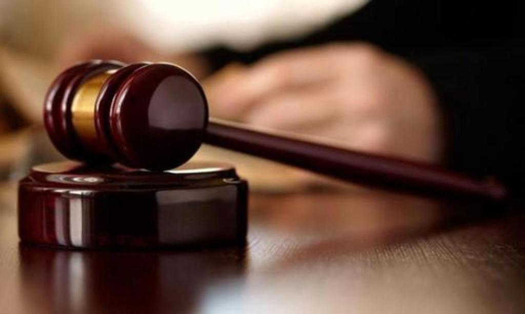 Заизбиение полицейского саратовца посадили на4,5 года