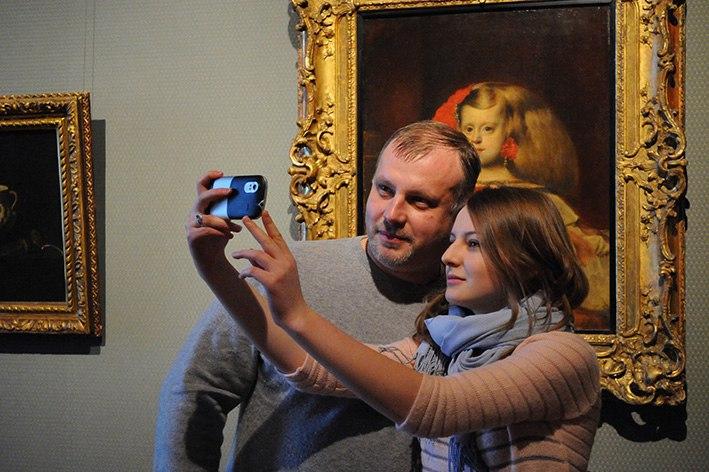 Русские  музеи участвуют всетевой акции #MuseumSelfiе