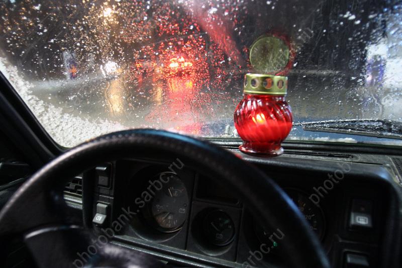 ВБалакове нетрезвый мужчина угнал автомобиль сСТО