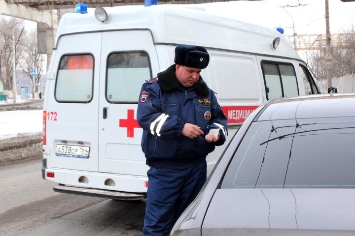 Саратовские владельцы автомобилей пропускают «скорую помощь»— ГИБДД