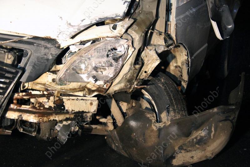 ВСаратове иностранная машина протаранила две легковушки имаршрутку