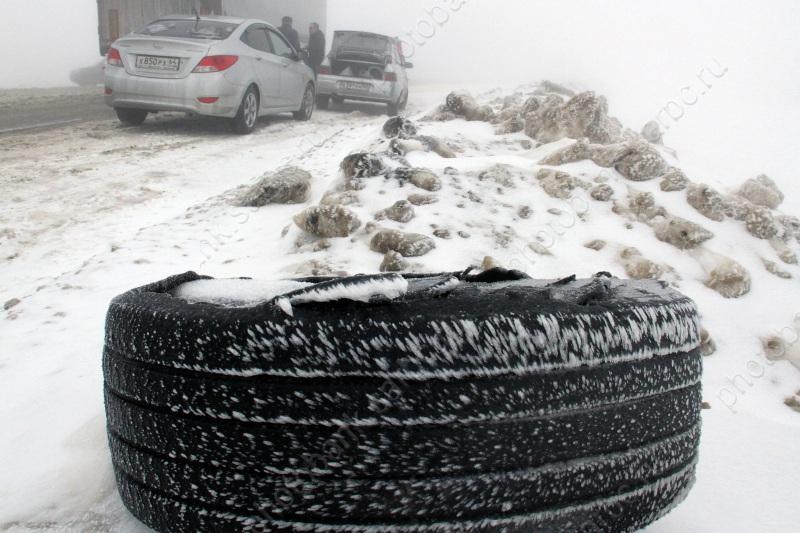 Под Саратовом наодной трассе опрокинулись вкювет 2 автомобиля