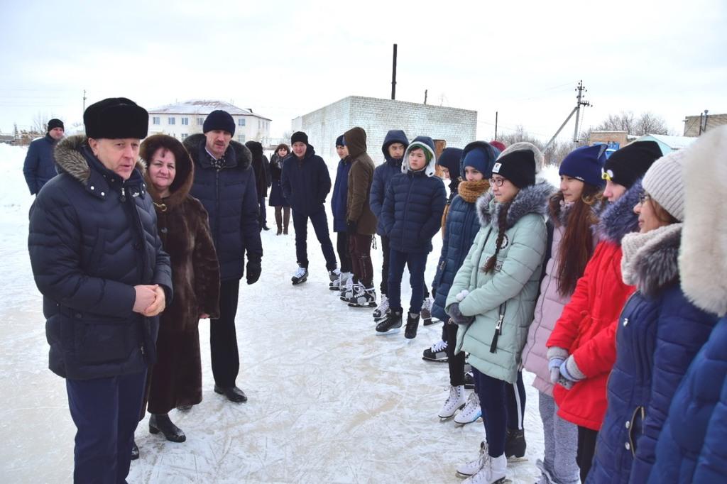 Губернатора попросили восстановить поезд из Саратова в Алгай
