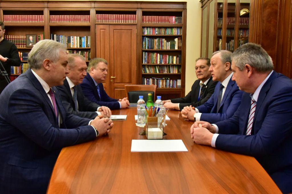 Валерий Радаев презентует в столицеРФ экономический иинвестиционный потенциал области