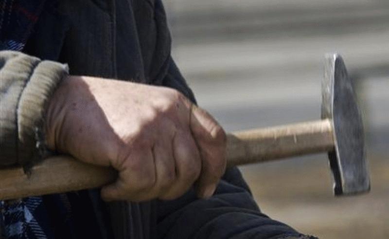 Гражданин Вольска, забивший молотком своего отца, получил 10 лет колонии