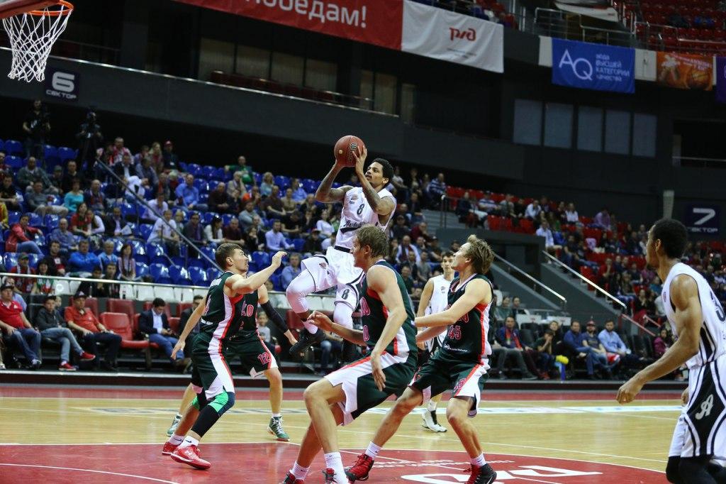 Баскетболисты клуба «Локомотив-Кубань» разгромили «Автодор», ФОТО