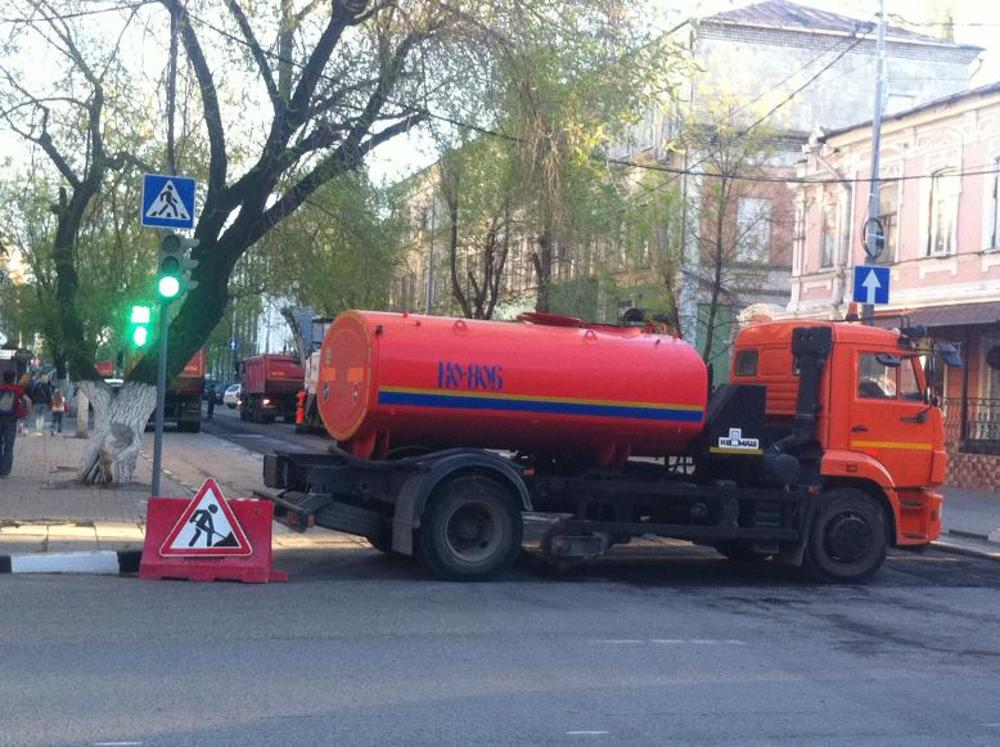 Дорожники продолжают ремонт наулице Чернышевского
