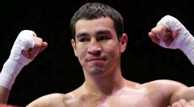 Артем Чеботарев уже в 3-й раз одержал победу впрофессиональном боксе