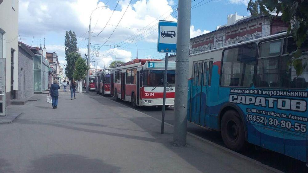 ВСаратове приостановлено движение трамваев итроллейбусов