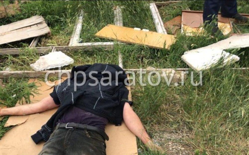 НаТопольчанской cотрудники экстренных служб извлекли иззаброшенных построек двоих мужчин
