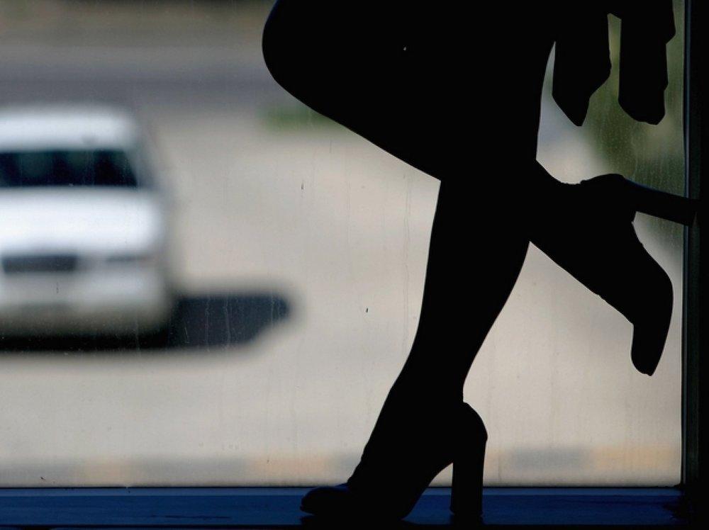 ВСаратове сутенеры пытали несовершеннолетних проституток током