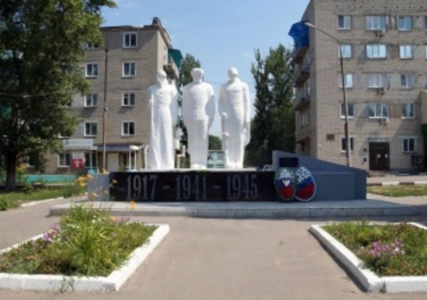 ВСаратовской области ребенок исписал монумент нецензурными словами