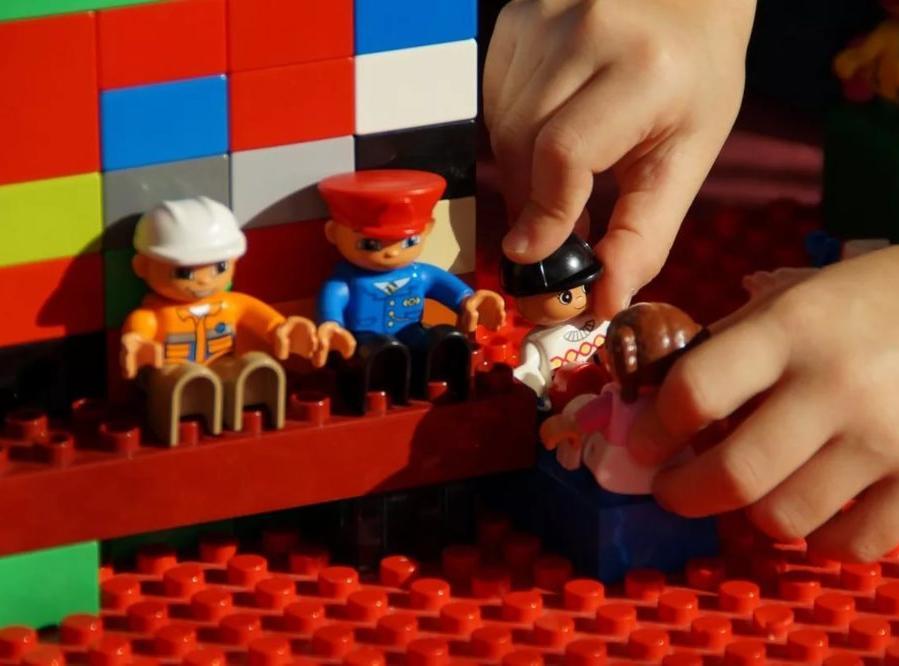 ВСаратове задержали похитителя «летающего корабля» из«лего»