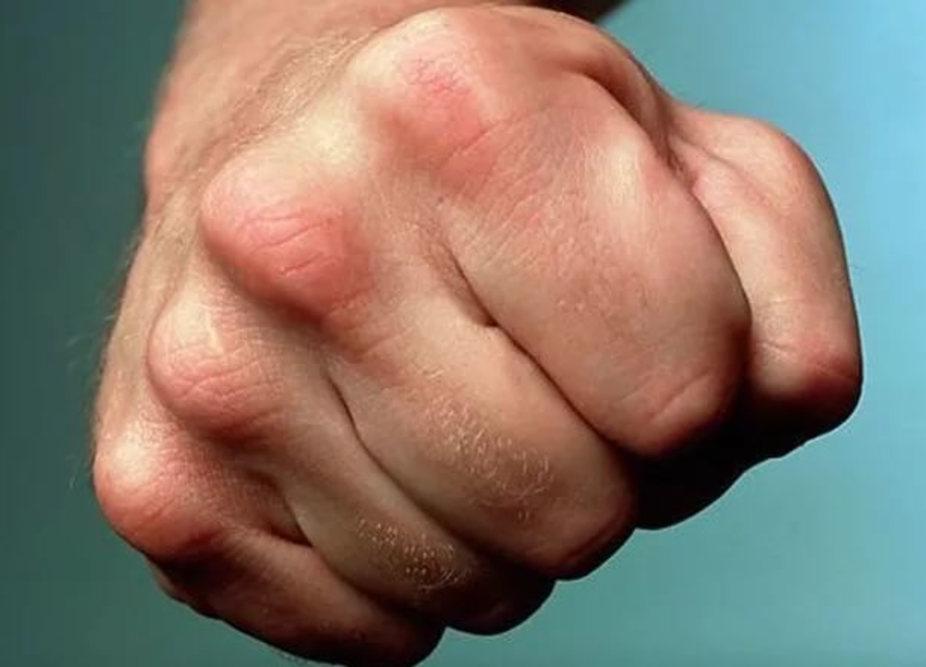 Братья сподельником лишили жизни мужчину заброшенный намашину окурок