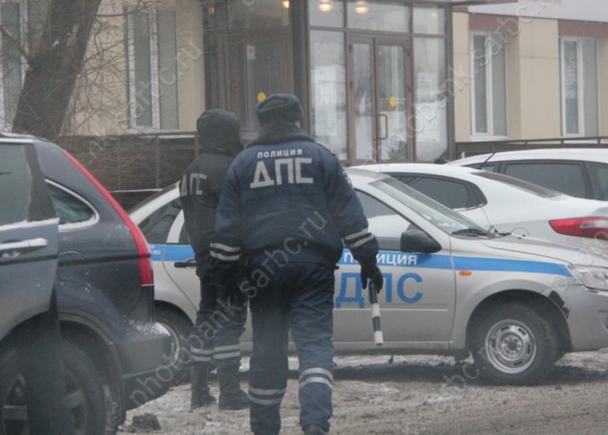 Покусавшую иударившую инспектора ДПС женщину оштрафовали