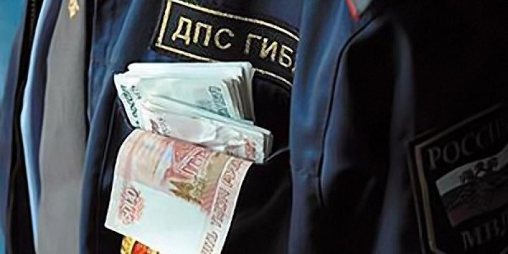 Накрасноярского водителя запопытку дачи взятки инспектору завели дело