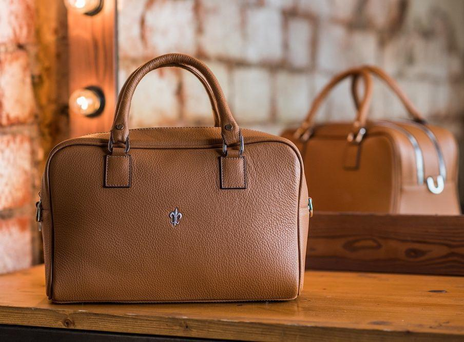 Саратовчанка при продаже сумок обманула клиентов на1,5 млн. руб.