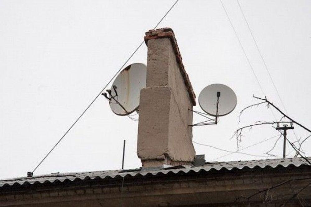 Поправлявший антенну саратовец сорвался скрыши пятиэтажки