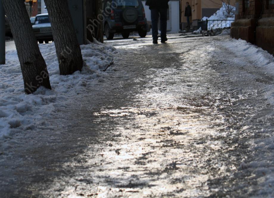 Валерий Радаев проконтролировал чистку саратовских улиц отналеди