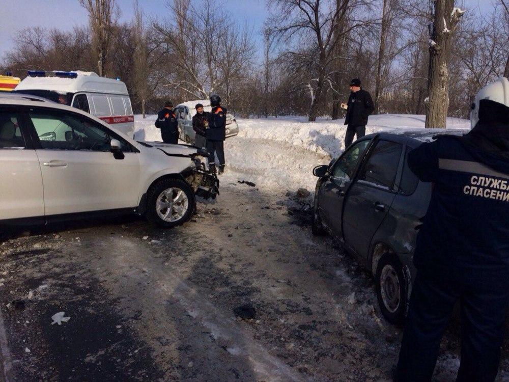 НаШехурдина вмассовой трагедии пострадали 4 человека. Машины эвакуируют