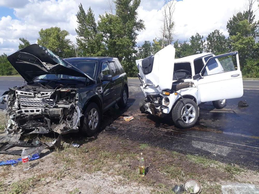 ВДТП натрассе пострадали двое взрослых ичетверо детей