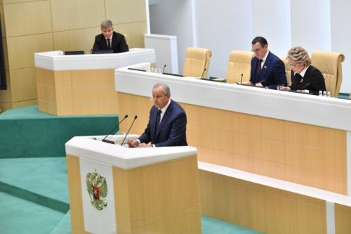 Темы недели: пиар властей в Совете Федерации, несуществующий отопсезон