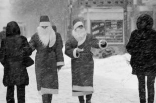 Предлагается отменить новогодние каникулы. И праздновать воссоединение Крыма с Россией
