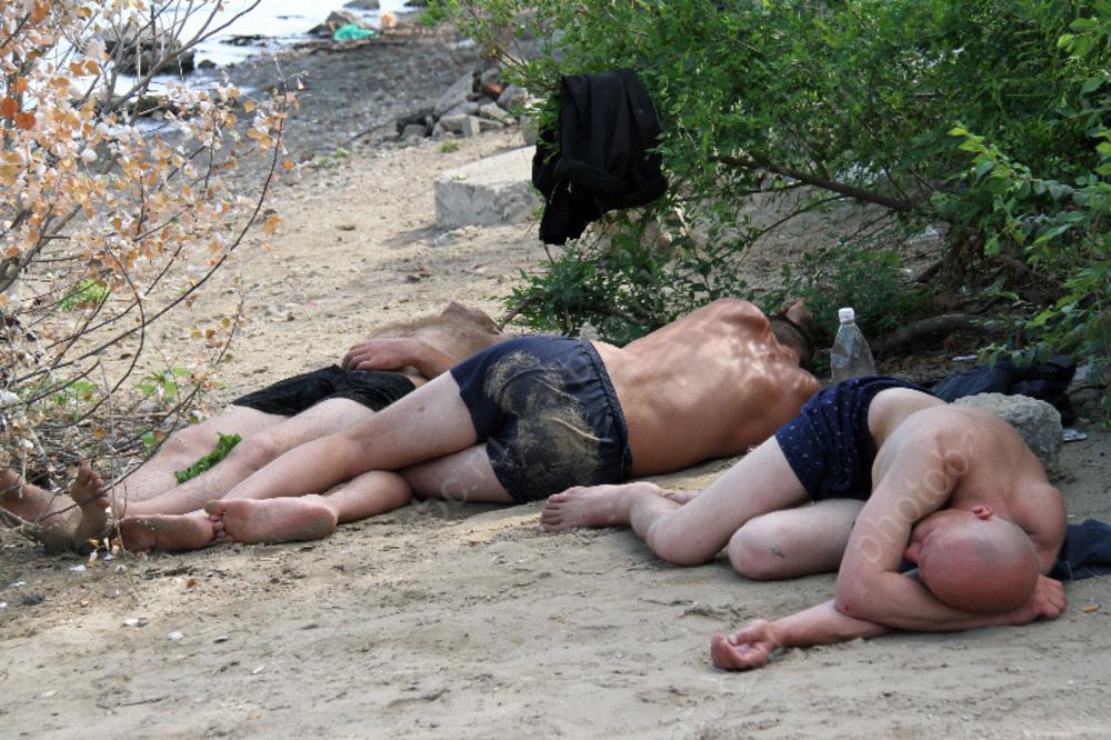 Полицейские выявили 103 факта распития алкоголя и нетрезвых прохожих