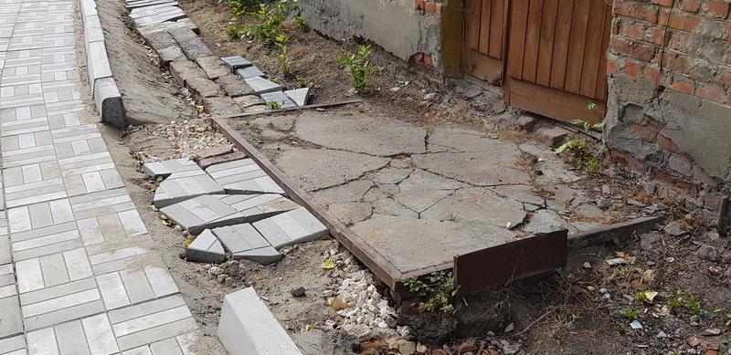 После ремонта общественники нашли во дворе нарушения