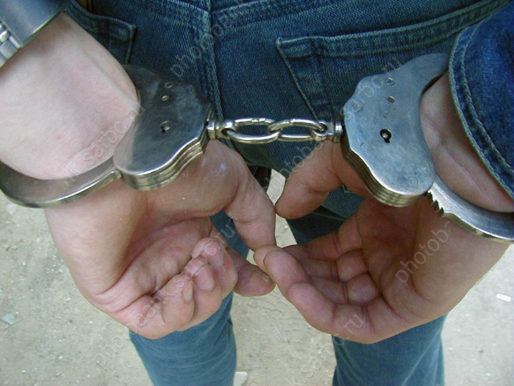 Гражданин задержан за изнасилование знакомой в сарае